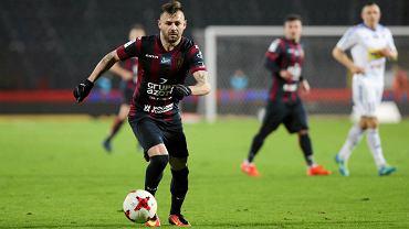 """Niesamowite! Przeciętny piłkarz z ekstraklasy w najlepszej """"jedenastce"""" France Football"""