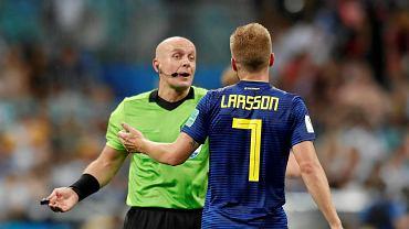 """Szymon Marciniak ponownie w centrum uwagi. Kosztowny błąd. """"Wątpliwe, że będzie nadal w grze"""""""