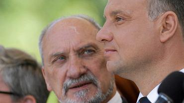 Macierewicz ujawnił kulisy dymisji. Rozmowę w TVP jednak szybko uciął, bo temat widocznie mu ciąży