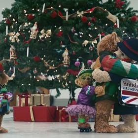 Świąteczny spot z misiami rozczula -