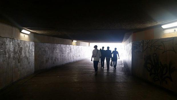 Przejście pod mostem Poniatowskiego