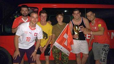 Chcieli dotrzeć na mecz, pojechali przez Donbas. Prawie wjechali na front