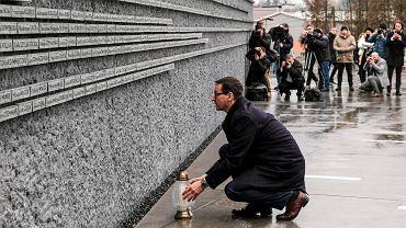 """""""Nie eksponować idiotów"""". Instrukcja obsługi Holocaustu, czyli poradnik dla Morawieckiego"""