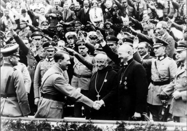 Hitler i biskupi w Niemczech, lata 30. (fot. Wikimedia.org / Domena publiczna)