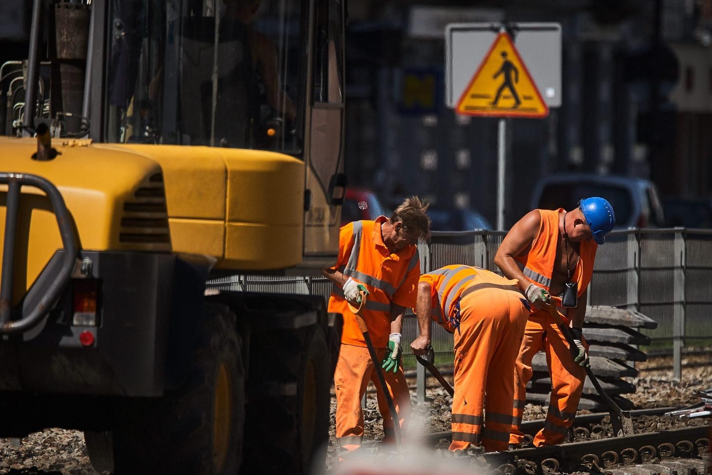 Pracownicy zza wschodniej granicy często zatrudniani są do ciężkich, fizycznych prac (fot. Tomasz Stańczak / AG)