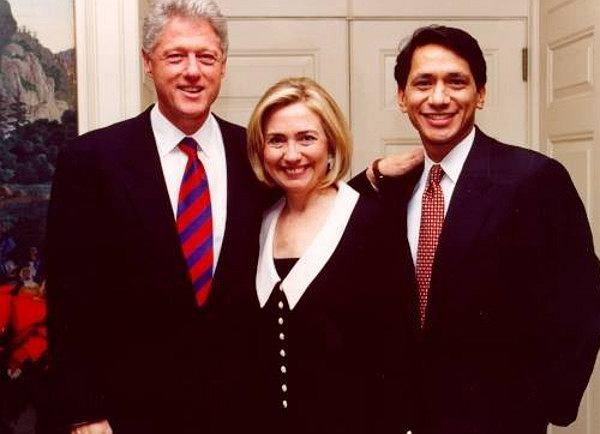 """""""Byliśmy spłukani"""" - tak Hilary wspominała koniec prezydentury męża. Nie tylko Clintonowie w Białym Domu stracili fortunę"""