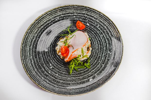 Schab Naturrino nadziewany z sosem tatarskim z tuńczykiem