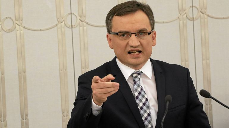 Minister Ziobro do senatorów: Trzeba doprowadzić tlen demokracji do sędziowskich korporacji