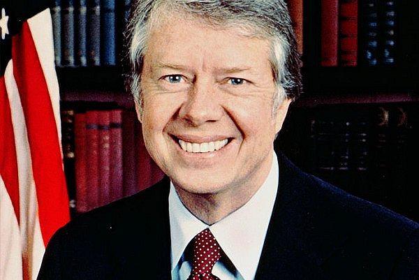 """Wpadki polityków. """"Carter stwierdził, że cieszy się z pobytu w Polsce. W tłumaczeniu wyszło, że cieszył się, mogąc chwycić Polskę za części intymne"""""""