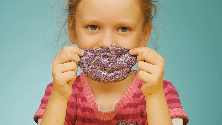 Slime, czyli kolorowe gluty, które pokochały dzieci