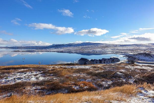 Widok na jezioro na trasie