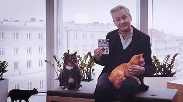 Biedroń na Dzień Kota dogryza Kaczyńskiemu. Jest też kultowy atlas