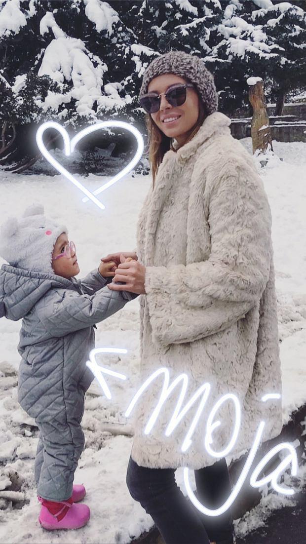 Anna Wendzikowska z partnerem i córką w górach