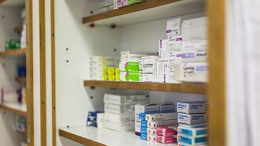 Apteki w całej Polsce wycofują z obrotu lek dla kobiet. Nieprawidłowy skład