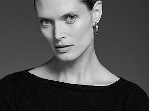 Wiele osób jest rozczarowanych okładką Vogue'a, w komentarzach piszą, że jest brzydka. Małgosia Bela odpowiada