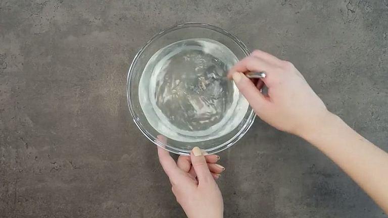 Każda babcia to wie: ten domowy płyn do mycia szyb jest najlepszy