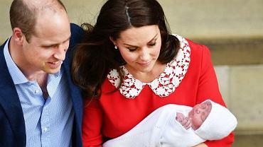 O czym rozmawiali William i Kate zaraz po wyjściu ze szpitala? Specjalista od czytania z ruchu warg już to wie