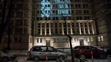 Nocny protest aktywistów w centrum Warszawy. Celem: minister od Morawieckiego