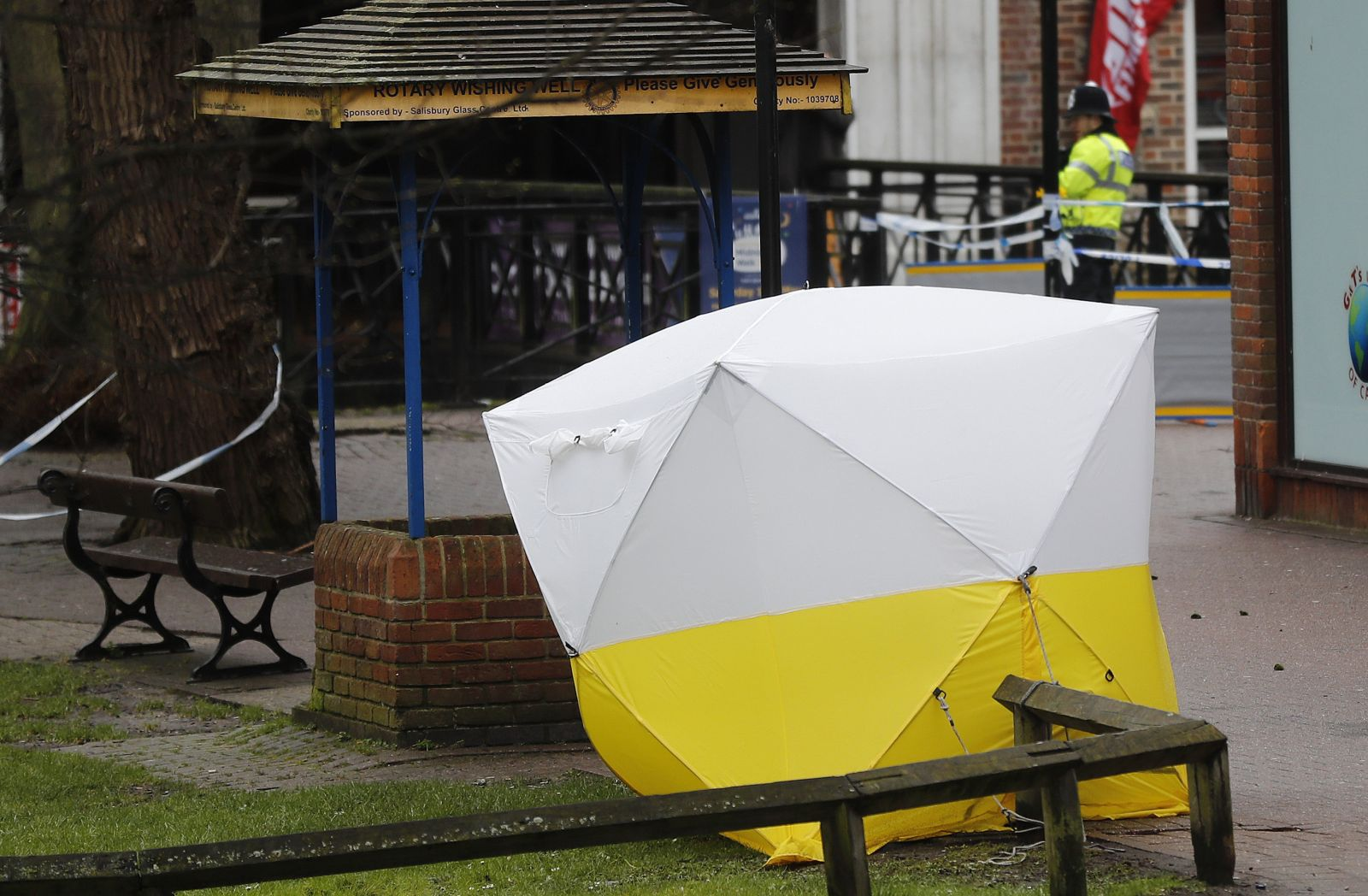 A police tent covers the the spot where former Russian double agent Sergei Skripal and his daughter Yulia were found critically ill following exposure to a nerve agent substance' in Salisbury, England, Monday, March 12, 2018. (AP Photo/Frank Augstein)