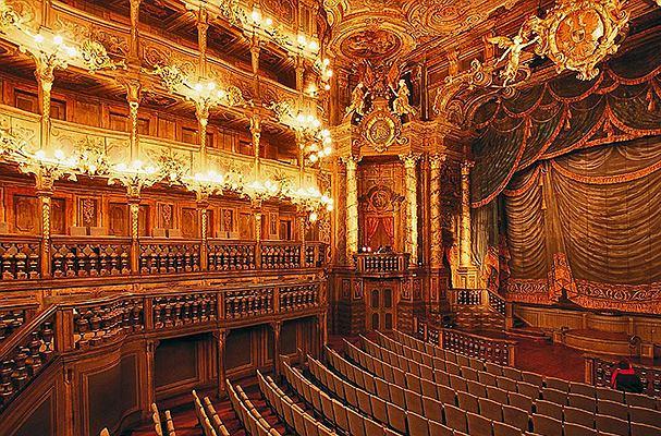 Wnętrze Opery Margrabiów Fot. Dbopp CC BY-SA 3.0