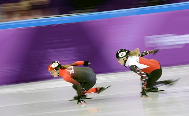 Kim Boutin of Canada leads Natalia Maliszewska of Poland in their ladies' 500 meters short-track speedskating heat in the Gangneung Ice Arena at the 2018 Winter Olympics in Gangneung, South Korea, Saturday, Feb. 10, 2018. (AP Photo/Bernat Armangue) SLOWA KLUCZOWE: 2018 Pyeongchang Olympic Games;Winter Olympic games;Sports;Events;XXIII Olympiad