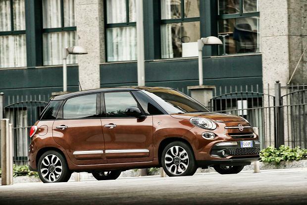 <b>Fiat 500L</b> &#x2013; W 2012 r. do klasycznego mieszczucha dołączyło znacznie większe auto. Fiat 500L to przestronny i wygodny minivan. Na rynku wyróżnia się nie tylko walorami praktycznymi, ale także wyjątkową stylistyką.