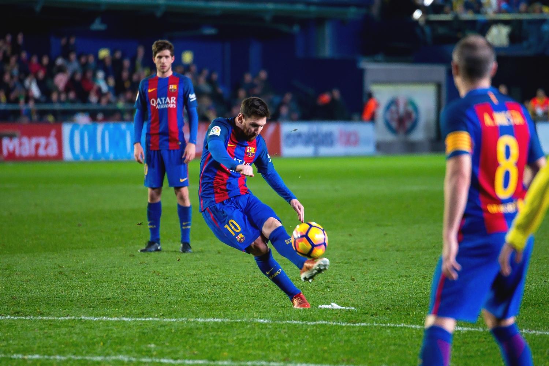 Leo Messi to jeden z najbardziej bramkostrzelnych zawodników na świecie (fot. shutterstock.com)