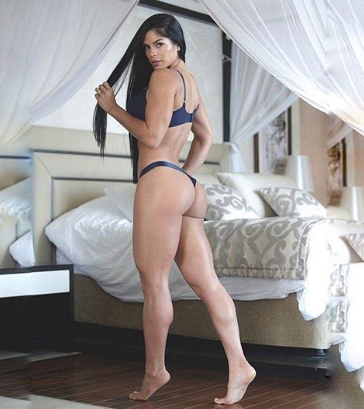 Michelle Lewin, znana na Instagramie fitnesska zachwyca urodą i... siłą!
