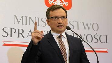 """Sędzia Piwnik o ministrze Ziobro. """"Bardzo chwalę nowego prezesa"""""""