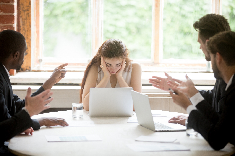 Podważanie kwalifikacji ze względu na płeć jest częstym zjawiskiem (fot. shutterstock.com)