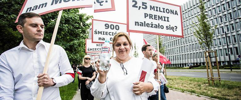 List w obronie zwolnionej z LOT Moniki Żelazik. 'Czy powinniśmy czekać, aż spadnie samolot?'