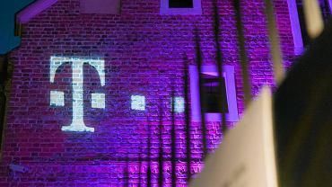 T-Mobile uniknie 4,5 mln zł kary za jednostronne podniesienie ceny abonamentu. Sąd unieważnił decyzję