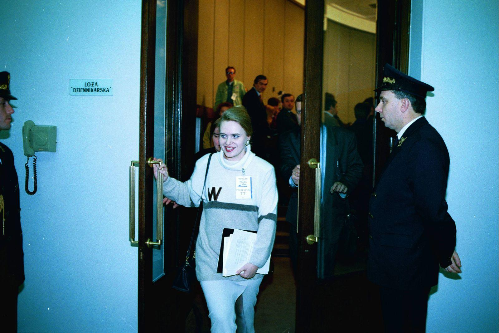 q17.11.1993 WARSZAWA SEJM - ANASTAZJA POTOCKA ANASTAZJA P.FOT. SLAWOMIR KAMINSKI / AGENCJA GAZETA SK DVD 021 A