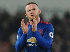Rooney znów przyłapany przez tabloidy. Co robił przed derbami Manchesteru?