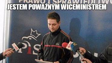 """Może i TVP ma """"Koronę królów"""", ale Polska ma Patryka Jakiego. Jaki z niego wróg WOŚP! [MEMY TYGODNIA]"""