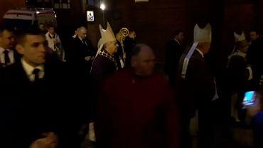 """Prezydent Duda w Gdańsku. Tak chłodnego przywitania chyba się nie spodziewał. I tej """"kolędy"""" też nie"""