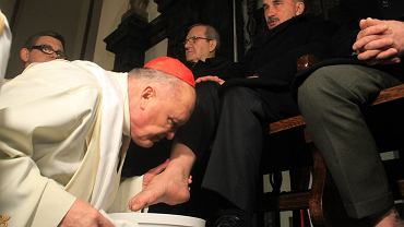 """""""Przykre, że bp Pieronek i kard. Nycz głoszą tezy niemające nic wspólnego z chrześcijaństwem"""""""