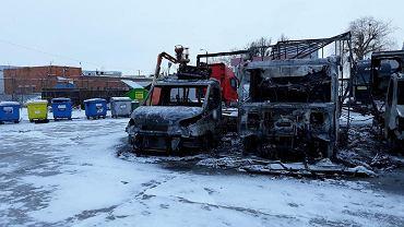 Duży pożar we Wrocławiu. Płonęły autobusy i samochody dostawcze