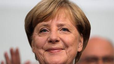 Merkel pozostaje na stanowisku kanclerza Niemiec. Ale w Bundestagu znajdzie się też skrajna prawica