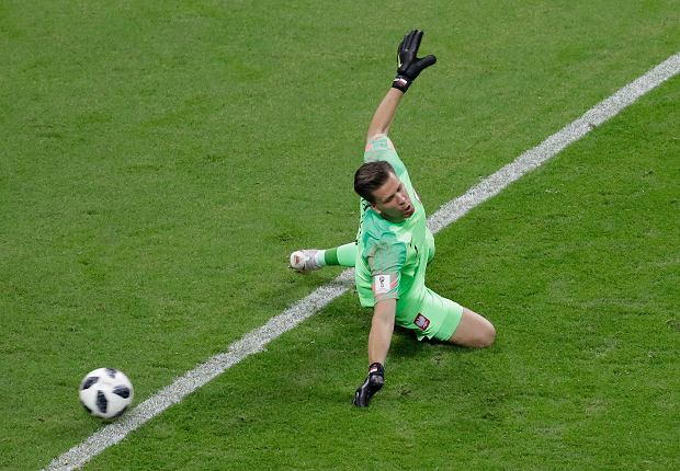 Poland goalkeeper Wojciech Szczesny fails to stop Colombia's second goal, by Radamel Falcao, during the group H match between Poland and Colombia at the 2018 soccer World Cup at the Kazan Arena in Kazan, Russia, Sunday, June 24, 2018. (AP Photo/Sergei Grits) SLOWA KLUCZOWE: WC2018COL;WC2018POL