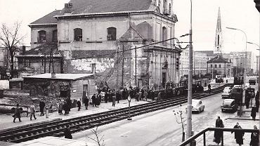 To był prawdziwy spektakl. Pod osłoną nocy warszawski kościół przesunięto o 21 metrów