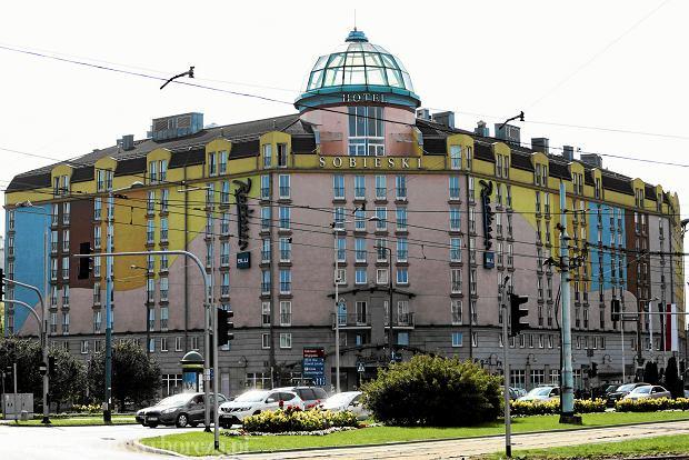 23.09.2015 Warszawa , Plac Zawiszy . Hotel Sobieski  . Fot. Adam Stepien / Agencja Gazeta SLOWA KLUCZOWE: budynek plac zawiszy hotel sobieski /FR/