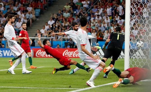 Spain's Diego Costa scores his second goal during the group B match between Portugal and Spain at the 2018 soccer World Cup in the Fisht Stadium in Sochi, Russia, Friday, June 15, 2018. (AP Photo/Frank Augstein)