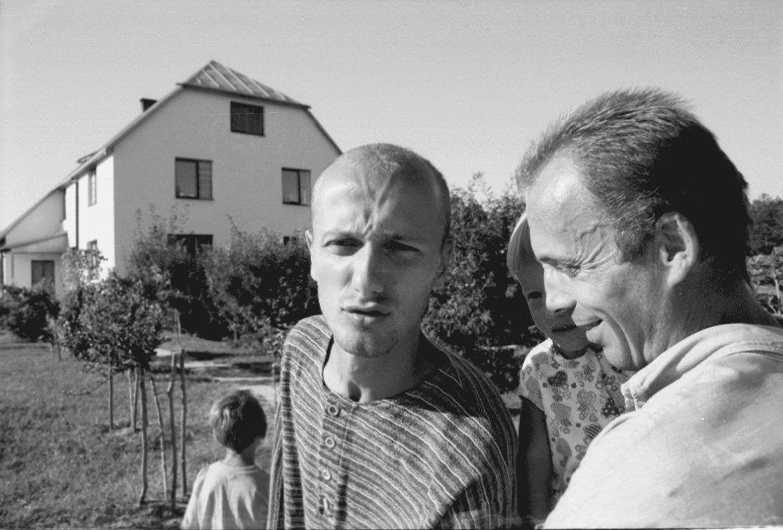 Majdan Kozłowiecki koło Lubartowa, sekta Niebo (fot. Wojtek Jargilo / Agencja Gazeta)