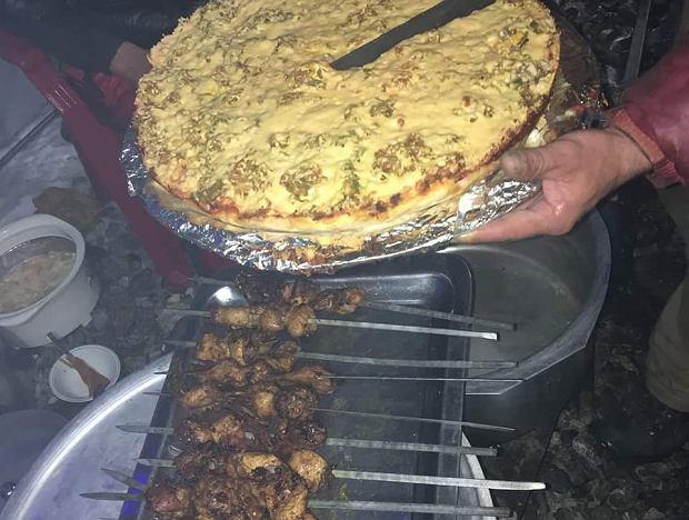 Jedzenie w bazie pod K2