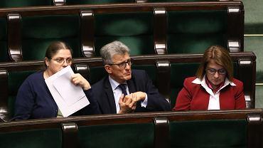 """Piotrowicz chce """"zmiany mentalności sędziów"""". """"Mają pełnić rolę służebną wobec państwa i narodu"""""""