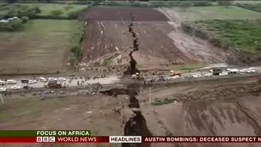 Afryka pęka. Geolodzy: to wynik formowania się nowego kontynentu. Szczelina w Kenii rozerwała dom na pół