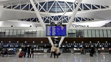 Szczecinianin bohaterem awantury na lotnisku. Zgłosił, że wiezie dwa granaty