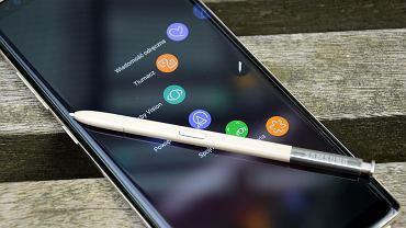 Po raz pierwszy w historii spadła sprzedaż smartfonów. Doskonale radzą sobie tylko Chińczycy