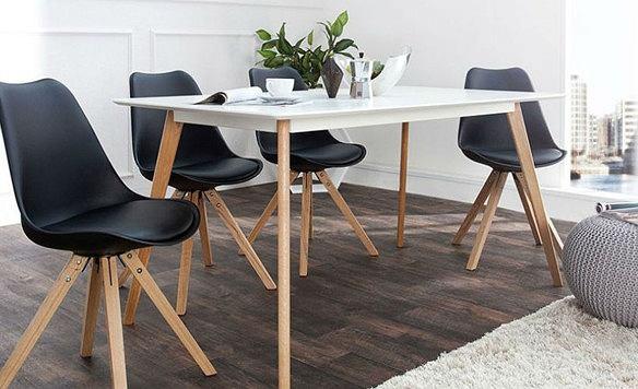 Drewniana podłoga jest piękna i ponadczasowa, doskonale sprawdzi się dębowa Fot. Homebook